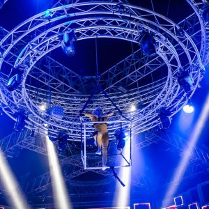 Chain Master BGVC1 electric chain hoists carry dancers in live show