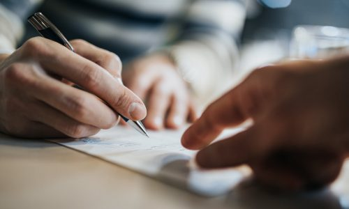 5 things to consider when signing a contract